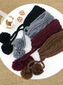 66GIRLSPom Pom Cable Knit Headband