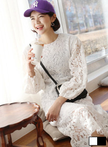66GIRLSFloral Lace Balloon Sleeve Dress