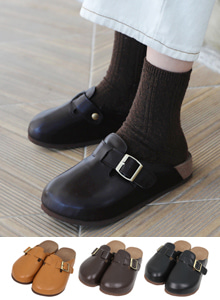 66GIRLSRound Toe Buckled Clogs