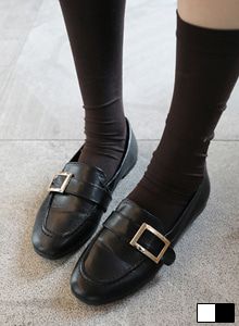 66GIRLSSquare Buckled Loafers