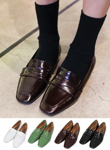 66GIRLSSquare Toe Penny Loafers