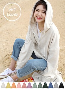 66GIRLSKangaroo Pocket Loose Fit Zip-Up Hoodie