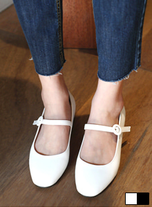 66GIRLSRound Toe Mid Heeled Mary Jane Shoes