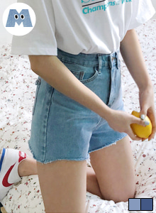 66GIRLSHigh Rise Asymmetrical Hem Denim Shorts