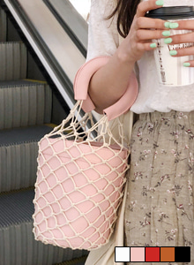 66GIRLSFishnet Cylinder Bag