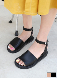 66GIRLSStrap Sandals