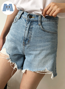 66GIRLSHigh Waist Distressed Denim Shorts