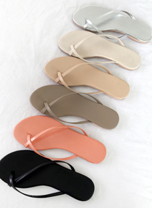 66GIRLSCross Strap Flip Flops