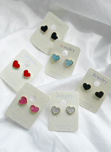 66GIRLSHeart Earrings