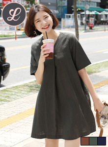 66GIRLSV-Neck Pleated Dress
