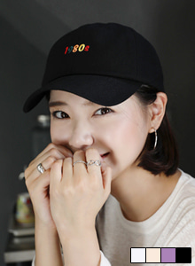 66GIRLSLettering Embroidery Cap