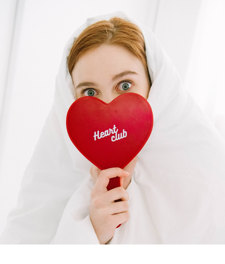 HEART CLUBHeart-Shaped Handheld Mirror