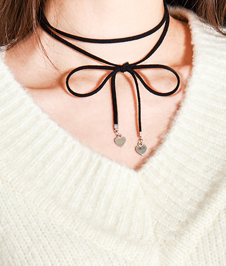 Heart Accent Ribbon Choker