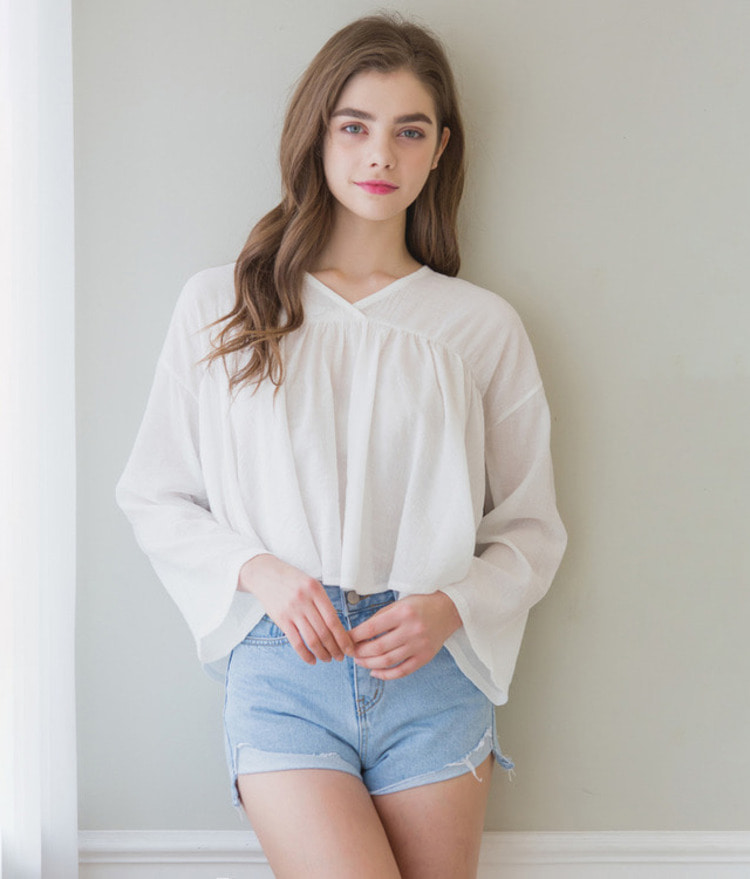 ROMANTIC MUSEV-Neck Long Sleeve Blouse