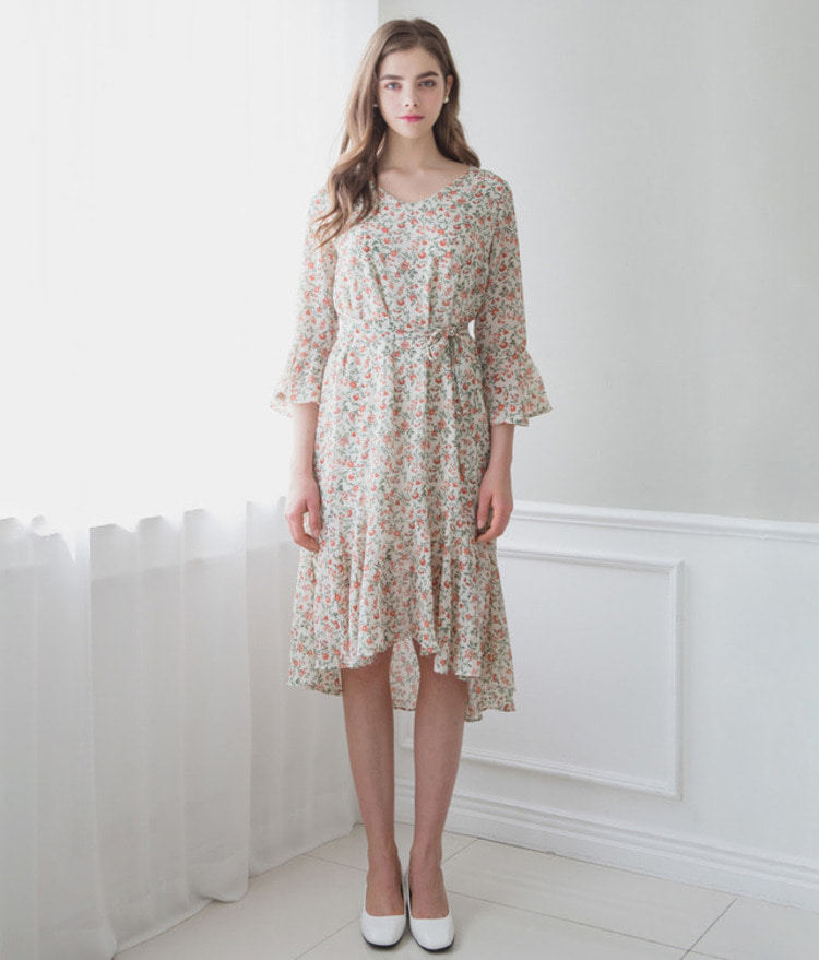ROMANTIC MUSE3/4 Sleeve Floral Dress