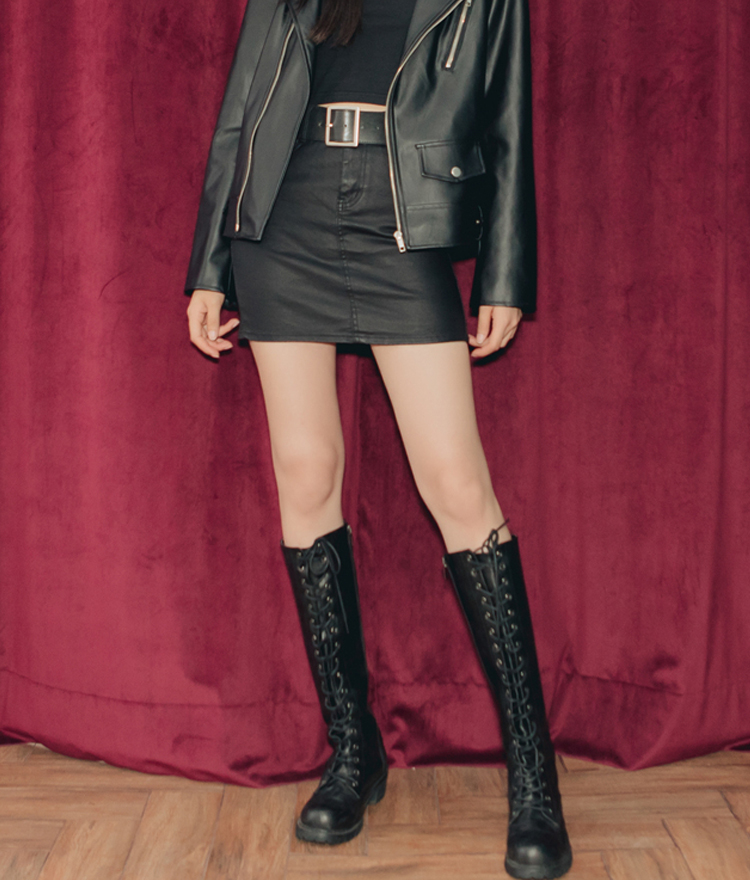 QUIETLABStraight Cut Faux Leather Skirt
