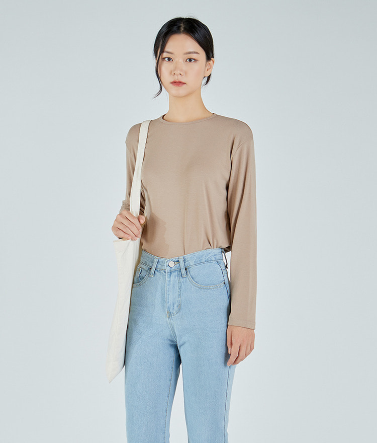 ESSAYRound Neck Long Sleeve Top