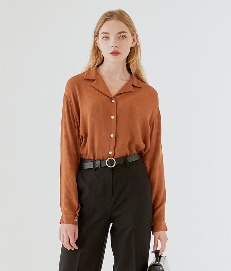 ESSAYNotch Collar Loose Fit Blouse