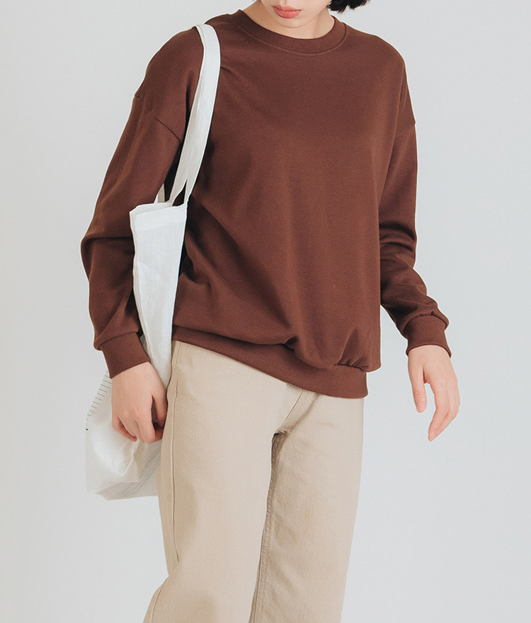 ESSAYRound Neck Solid Tone Sweatshirt