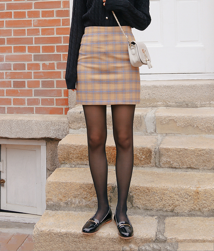 ROMANTIC MUSEStraight Cut Check Skirt