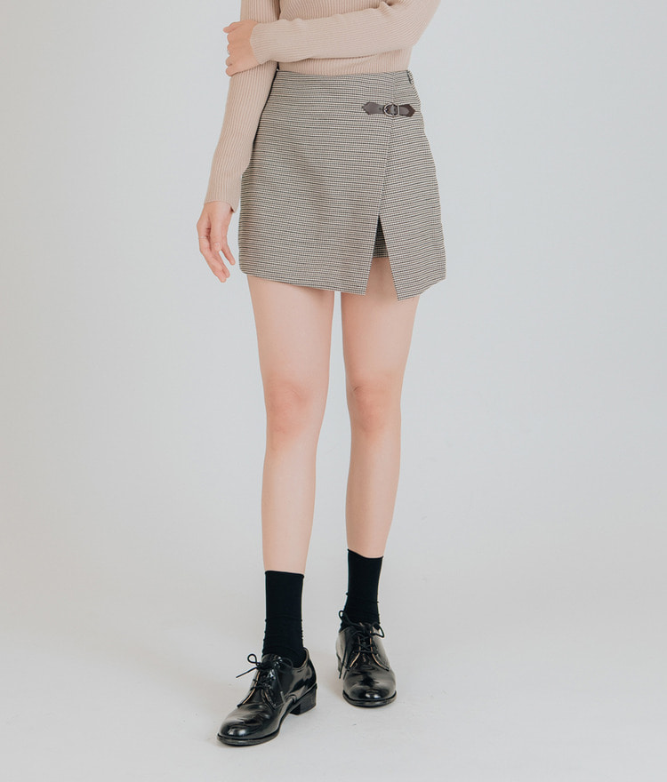 Buckle Point Skirt Pants
