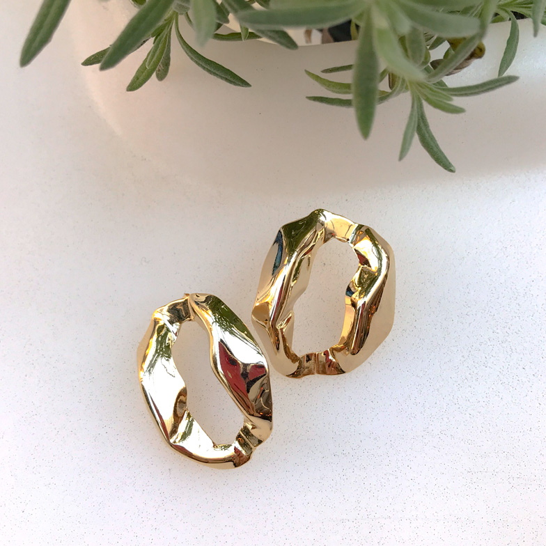 Withipun Gold Circle Earrings