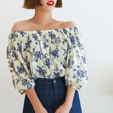 Withipun Off-Shoulder Floral Print Blouse