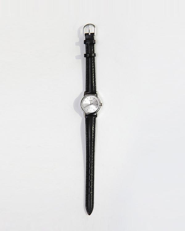 simple round watch