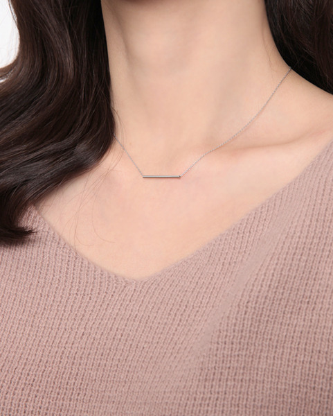 silver thin bar necklace