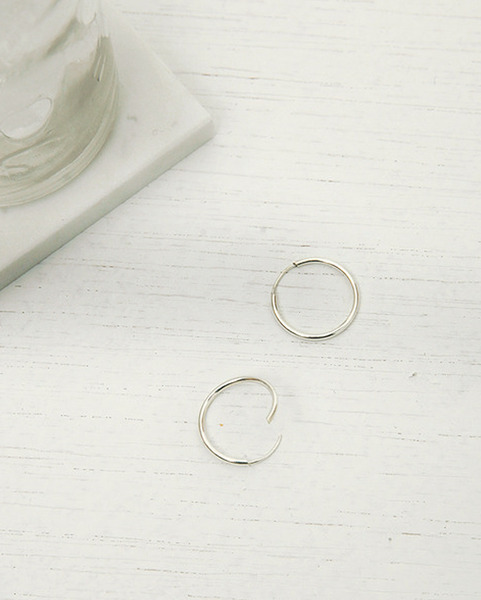 silver middle ring earring