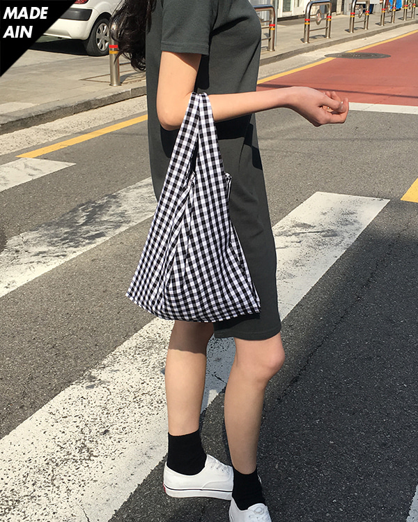 FRESH A gingham bag