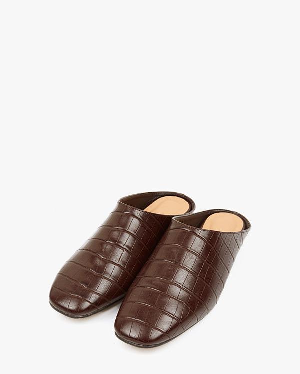 simply chic mule (225-250)