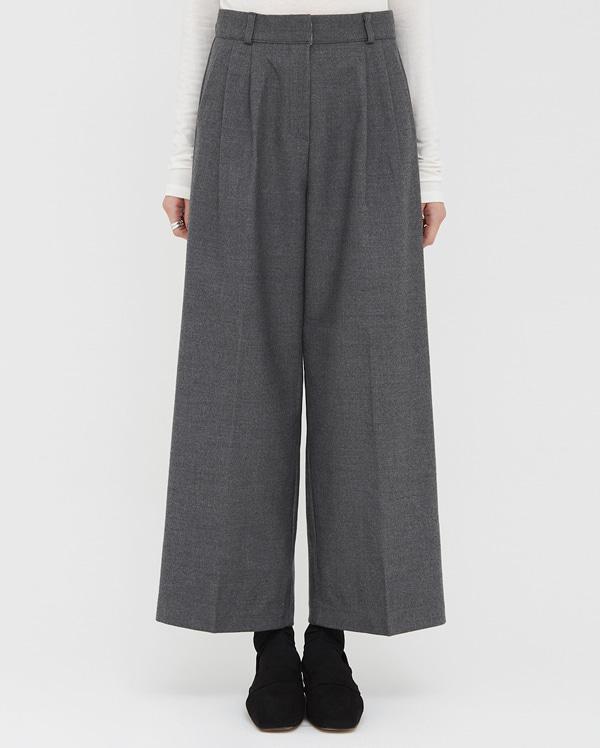 found sleek wide slacks (s, m, l)