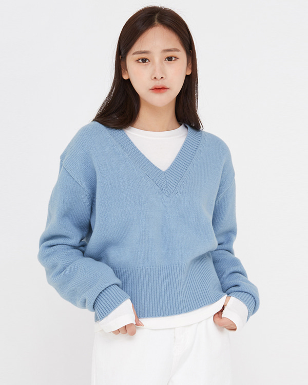 star v-neck wool crop knit