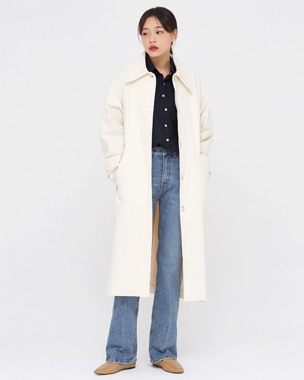 a back point single trench coat