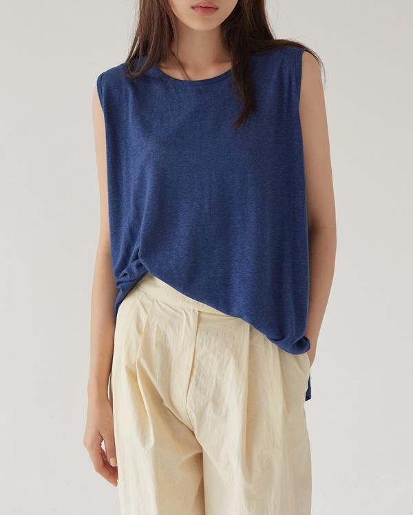simple flare sleeveless