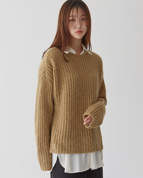 carol loose-fit knit