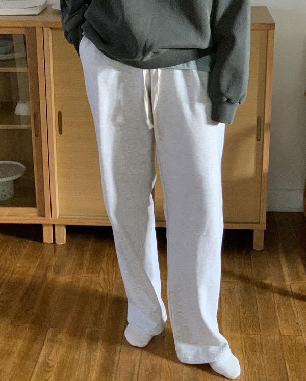 clare training pants