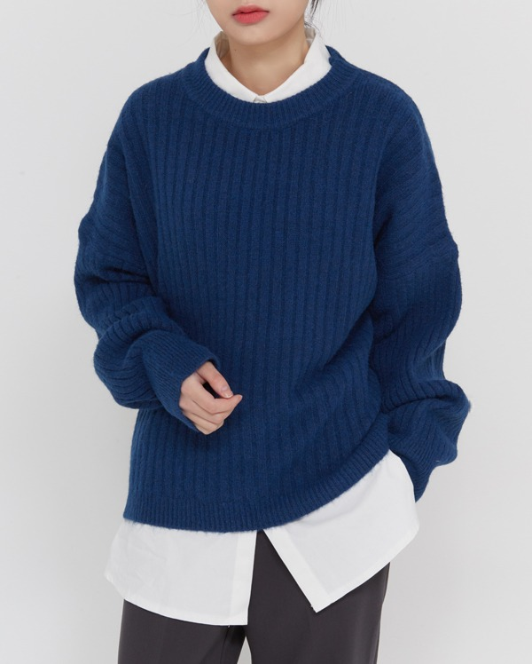 thick golgy round wool knit