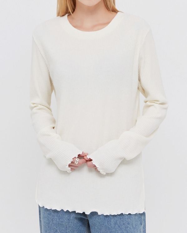 on ruffle lond sleeve T