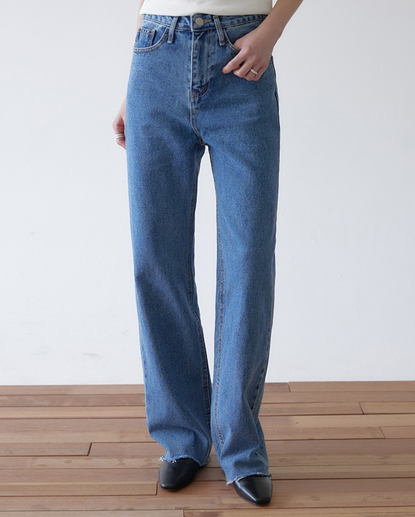 a semi boots cut denim pants (s, m, l)