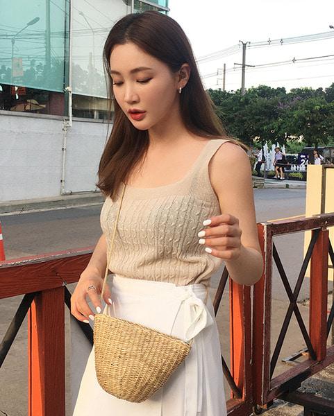 mini clam cross bag