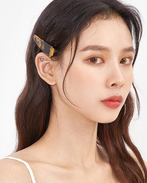 leopard hair pin