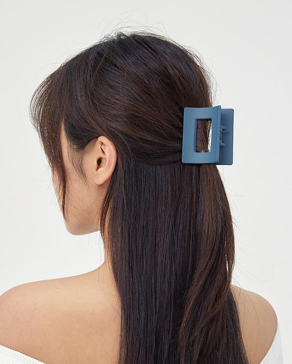 square hole hair pin
