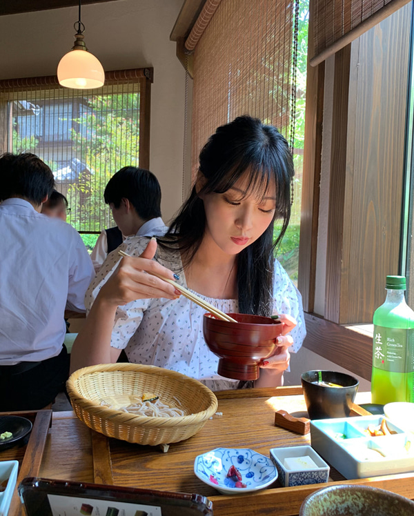 string flower blouse