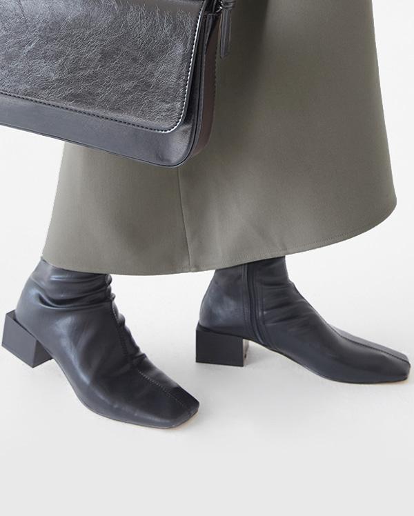 a hollis boots (225-250)