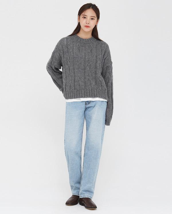 ange alpaca cable crop knit