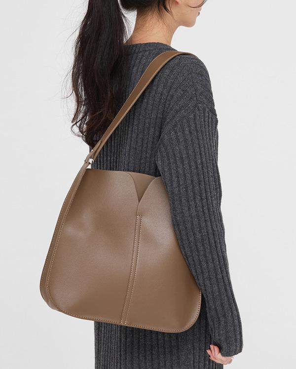 nuts simple shoulder bag