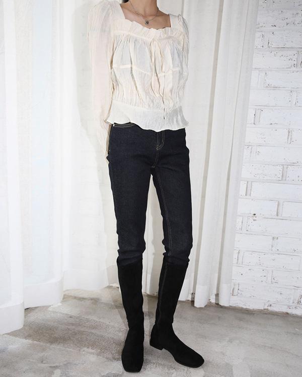 sin pleat square blouse