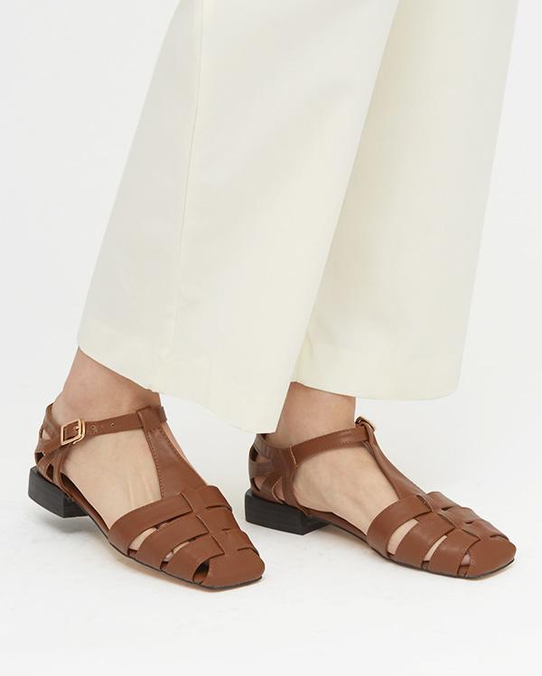 fandy flat sandal